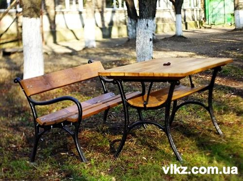 стол чугунный и скамейка